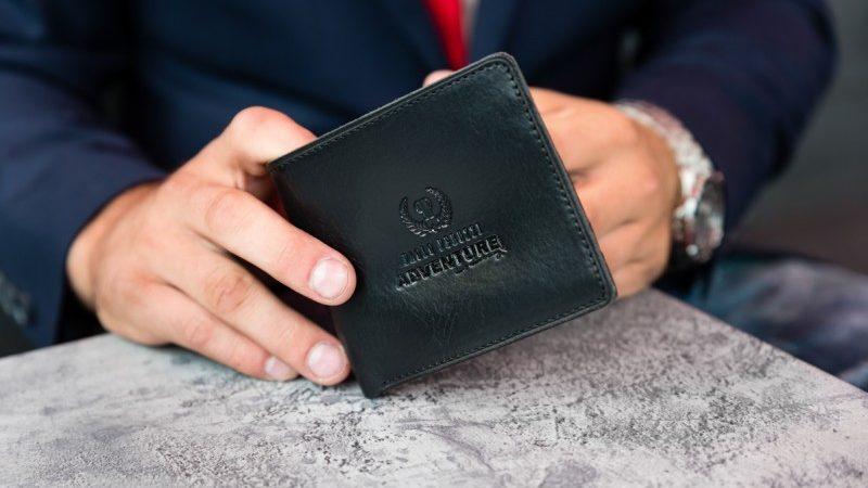 Jakie portfele męskie są teraz w modzie?