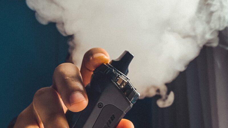 E papierosy, czyli elektroniczny system dostarczający nikotynę